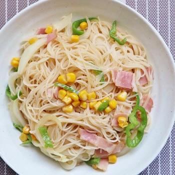 簡単!冷蔵庫の物で作る*たっぷり野菜の焼きビーフン*