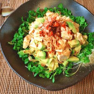 一度食べればやみつきに!「マヨラー油」でサラダ&和え物を作ろう!