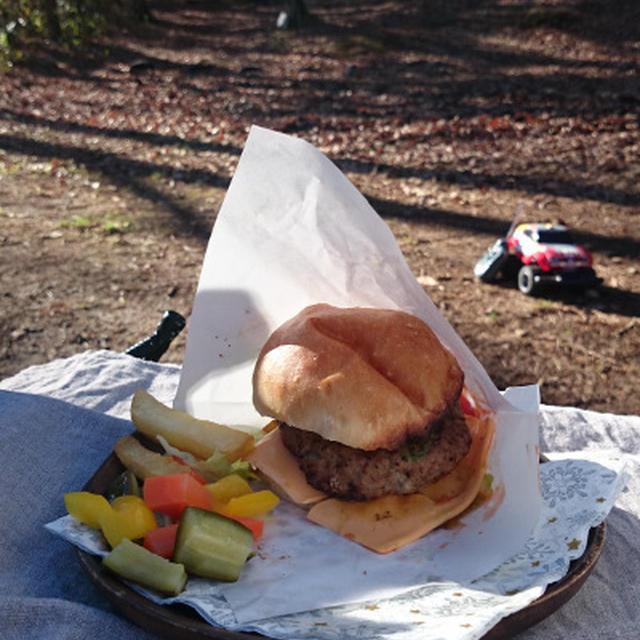 キャンプごはんハンバーガー レシピ