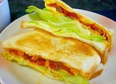カリカリ豚のエッグロールサンドピザ風味