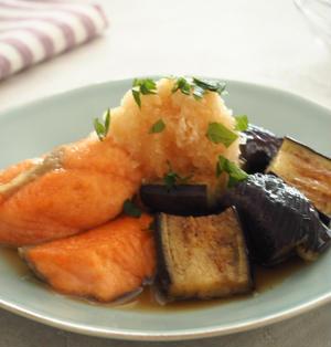 【めんつゆで簡単!】鮭とナスのおろし南蛮