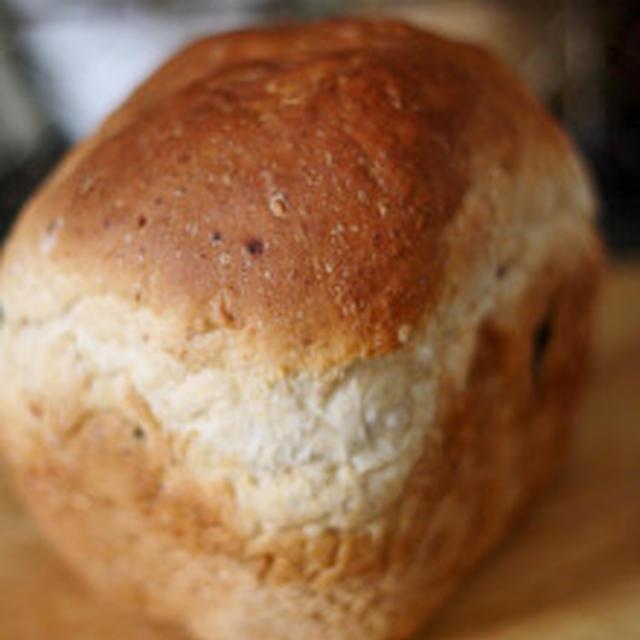 グラノーラ入りパン