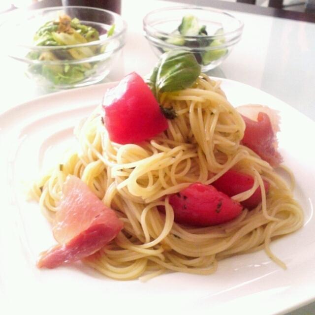 トマト バジル 冷たいカッペリーニ   冷製パスタ