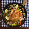 【華やかハロウィンレシピ】チキンと魚介の旨みたっぷりパエリア by KOICHIさん