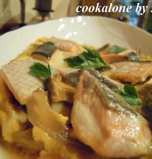 鮭とキャベツの卵とじ