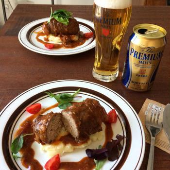 【簡単!!おもてなしにも】ひき肉&牛肉で!ロールビーフ(ザ・プレミアムモルツに合う料理)