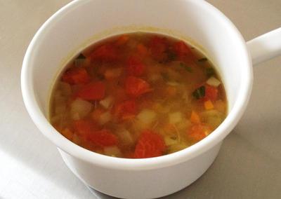 塩鶏の煮汁のカレー風味スープ