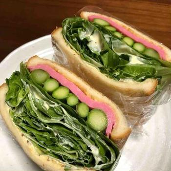 レタスたっぷり〜レタス・アスパラとハムのサンドイッチ