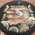 レンジで簡単!タジン鍋で秋鮭ときのこのレモン蒸し(レシピあり) by ゆり子さん