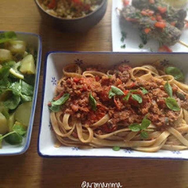 野菜のボロネーズとサラダの副菜