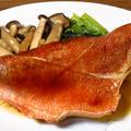 みかん亭専属シェフ、姫神・亭・みかん➖たまりしょうゆを使って『とろ赤魚』を煮つける。