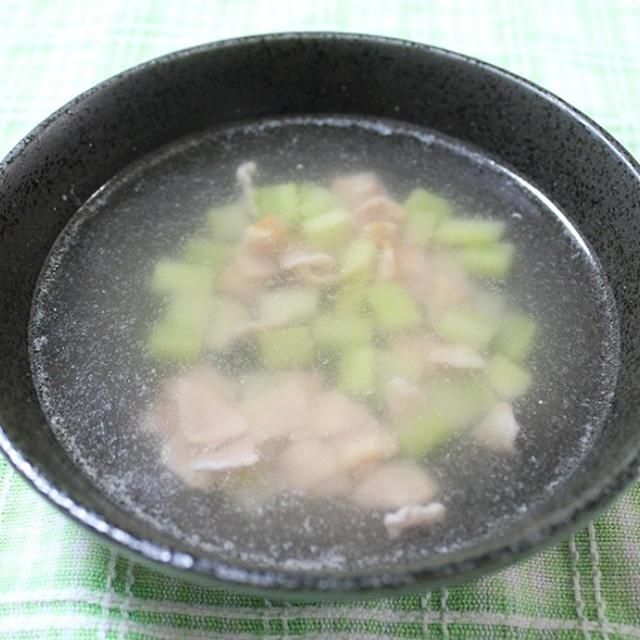 ブロッコリーの芯とベーコンのコンソメスープ 調理時間5~15分