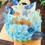 ブルーのグラデーションのバースデーケーキ