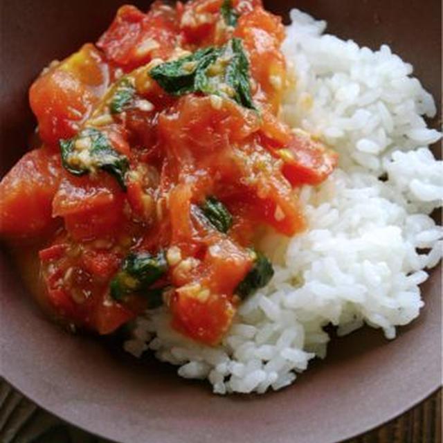 塩麹とバジルが決め手のトマト丼