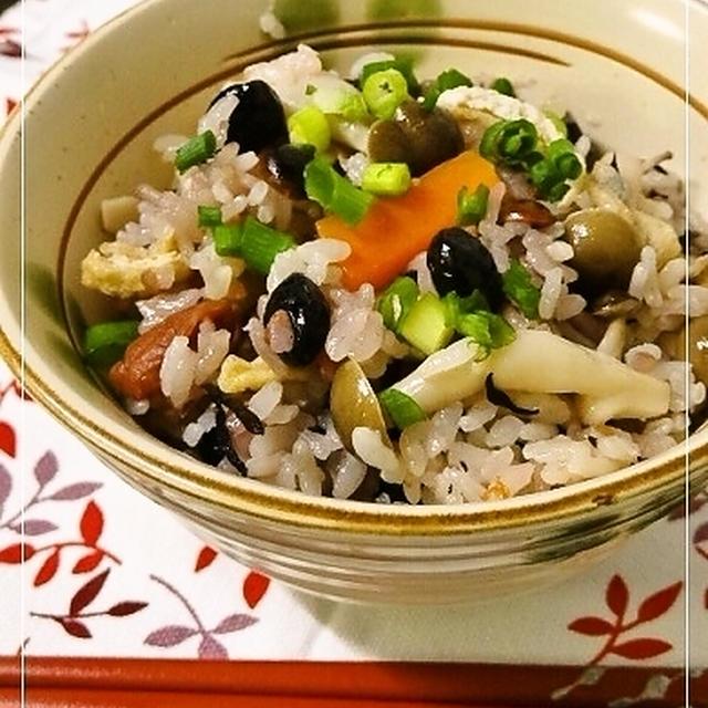 黒豆香ばし✿五目炊き込みご飯