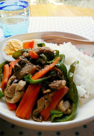 豚肉とピーマンのピリ辛黒酢炒め丼☆