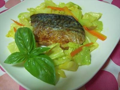 サバのソテー・カレー風味野菜炒めとワンプレート