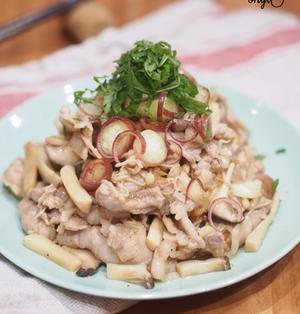 大皿料理ドーン!!!白米よーい!きのこだらけの豚バラ梅肉炒め