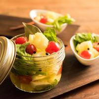キレイを作るつくる食卓〜セロリとプチトマトの簡単ピクルス(ハウスのスパイスでパーティメニュー)〜
