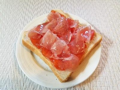 柿と生ハムとチーズのトースト