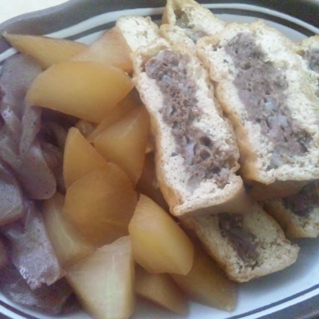 とちおのジャンボ油揚げの肉詰めと大根・こんにゃくの煮物