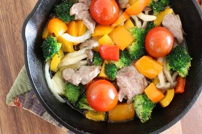彩り野菜とラムのオイル煮