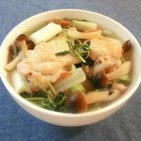 【レシピ】出汁不要!手羽元と野菜の梅しょうがスープ