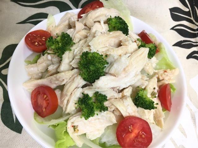 5. アジアン風味♩鶏胸肉のヘルシーサラダ