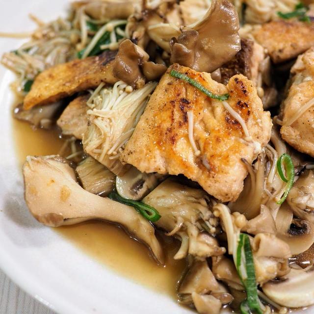フライパン一つで!秋鮭とキノコのソテー【#簡単レシピ #北海道産秋鮭 】