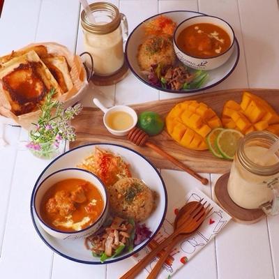 特別なスパイスを使わなくても出来る☆チキンバターカレーと食パンでナン