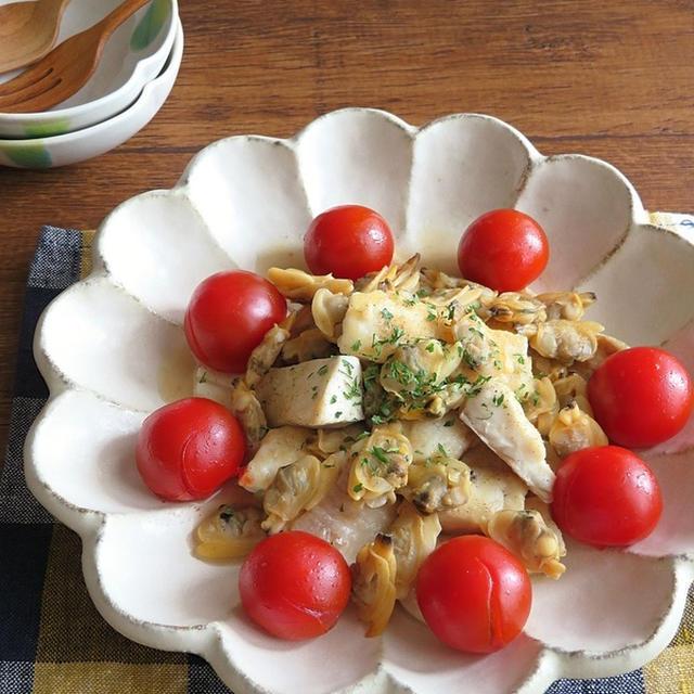 旨味たっぷり◎白身魚のアクアパッツァ