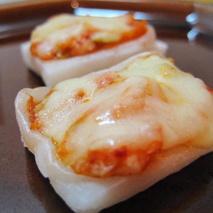 キムチトチーズがのった焼き餅
