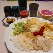 6/16 本日のランチ サラダ豆腐麺