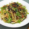 乾物とパスタでガッツリ&ヘルシーランチ!水菜とひじきの和風ピリ辛スパゲティ。