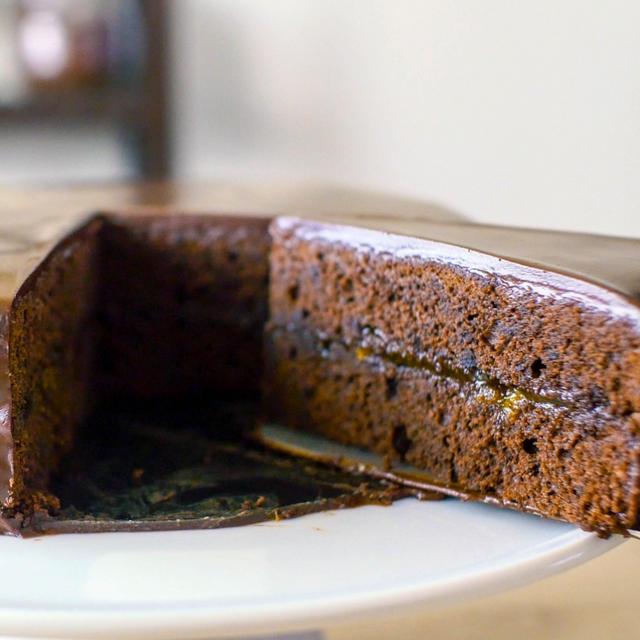 濃厚なチョコとアプリコットの酸味が美味しいザッハトルテの作り方