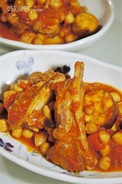 フライパンひとつで煮込み料理&絶品!リメイクカレー☆スペアリブとひよこ豆のトマト煮込み☆