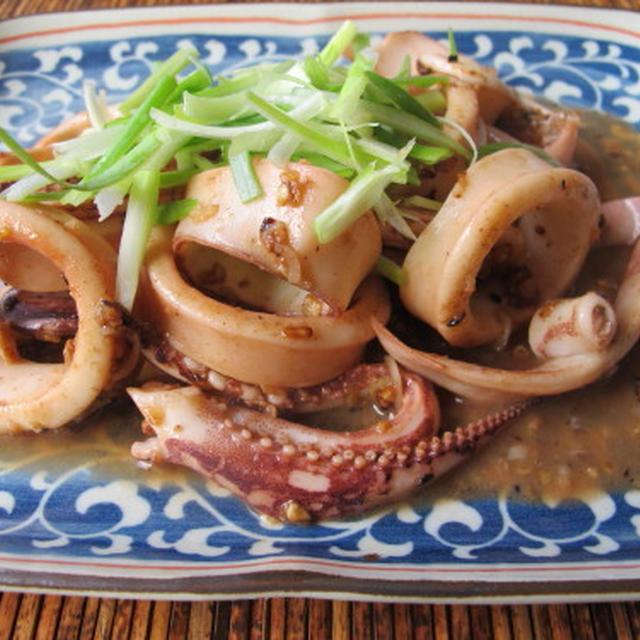 タイ風ガーリックとライムのイカの炒め物  6・14・2012