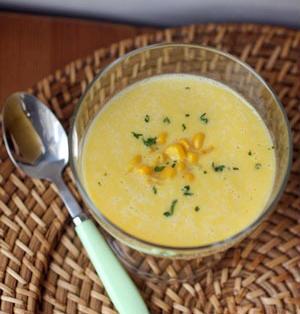 豆乳仕立ての冷製コーンスープ
