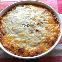 節約料理!デルモンテ 基本の完熟トマト・ソース 濃縮タイプ と 余った餃子の皮とサバ水煮缶 de ラザニア