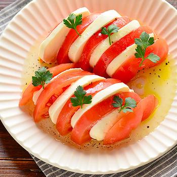 カプレーゼ(トマトとモッツァレラのサラダ)
