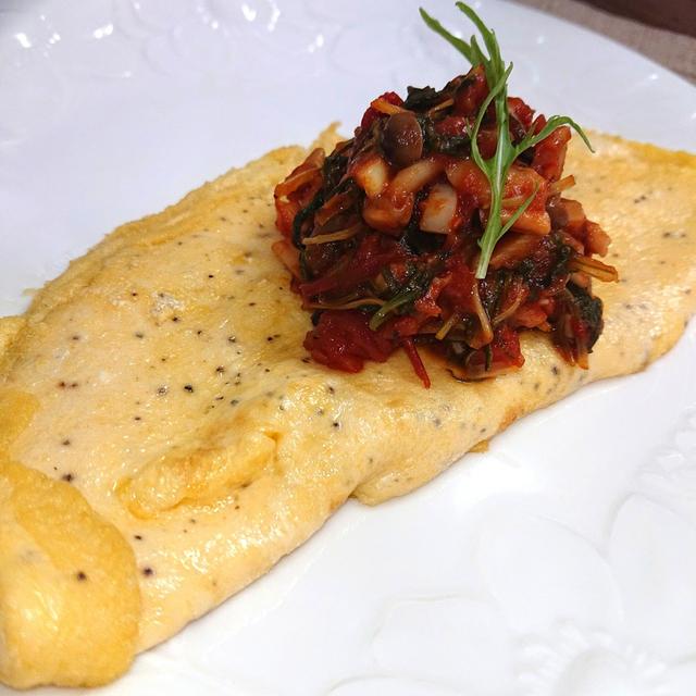 イタリアン風ふわとろオムレツ(トマト缶、しめじ、卵、水菜)