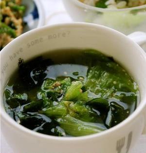 ビリビリレタスとわかめのスープ