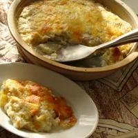 簡単美味!ソーセージと刻み野菜のクリーミーポテトグラタン