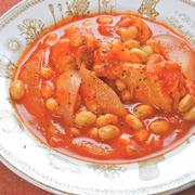 100%トマトジュースで減塩だけど美味しい〜手羽元と水煮大豆のジンジャートマト煮。