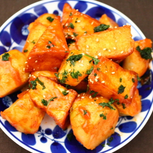 ★里芋と厚揚げのトッポキ風煮炒め(떡뽁이)。