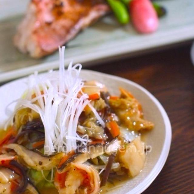 あるものでひねり出す楽しみ♪白菜の魚貝あんかけ