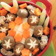 ヘルシー♪野菜たっぷり!鯖水煮缶と豆腐のみぞれ鍋