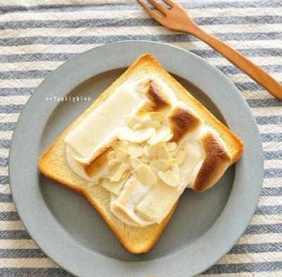 マシュマロ餅トースト