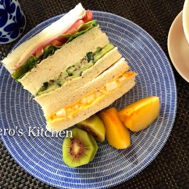 日曜ブランチ・サンドイッチと簡単コーンスープ♪