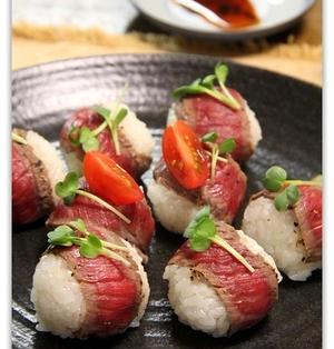 牛ステーキ肉で作るひとくち洋風手まり寿司♪